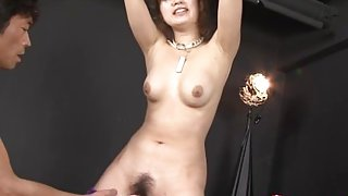 Sexy Japanese babe squirting and moaning